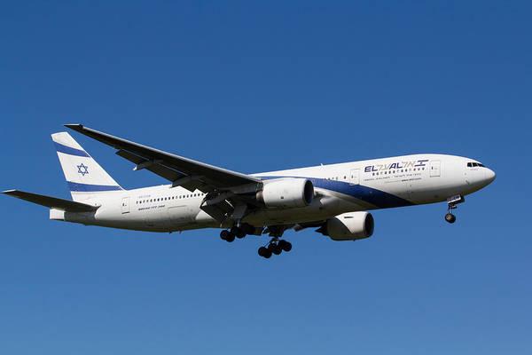 Wall Art - Photograph - El Al Boeing 777 by David Pyatt