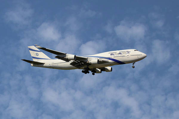 747 Wall Art - Photograph - El Al Israel Airlines Boeing 747-458 1 by Smart Aviation