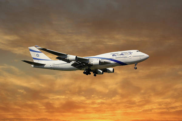 747 Wall Art - Photograph - El Al Israel Airlines Boeing 747-458 2 by Smart Aviation