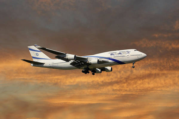Boeing 747 Wall Art - Photograph - El Al Israel Airlines Boeing 747-458 3 by Smart Aviation