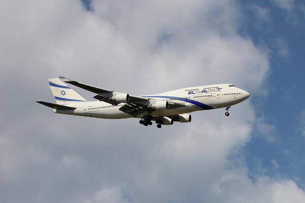 747 Wall Art - Photograph - El Al Israel Airlines Boeing 747-458 5 by Smart Aviation