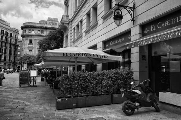 Photograph - El Cafe In Barcelona by Georgia Fowler