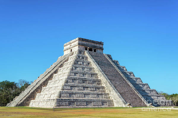 Kukulcan Photograph - El Castillo In Chichen Itza by Jess Kraft