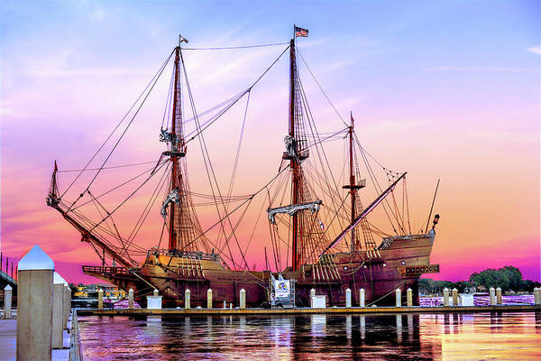 El Galeon At Sunset Art Print