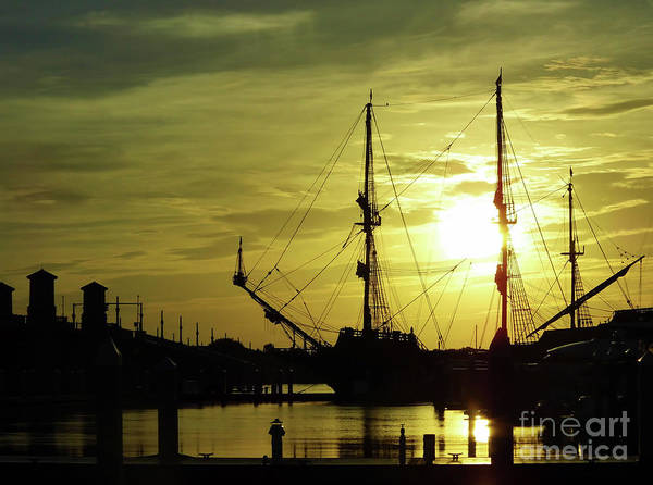 Photograph - El Galeon At The Bridge Of Lions Sunrise by D Hackett