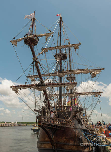 Photograph - El Galeon by Dale Powell