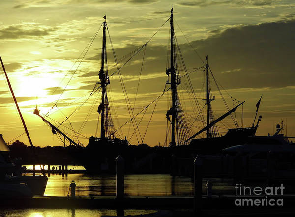 Photograph - El Galeon Sunrise by D Hackett