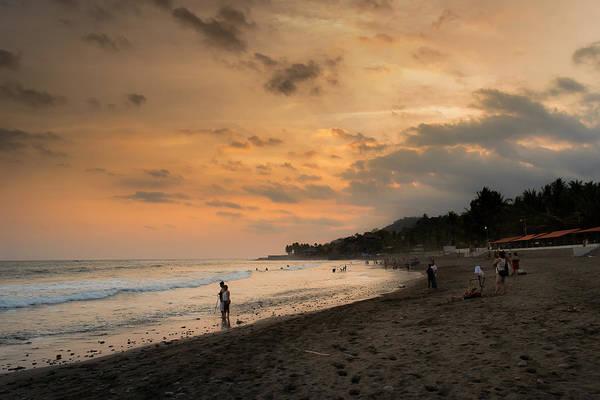 La Libertad Photograph - El Tunco And Sunzal by Totto Ponce