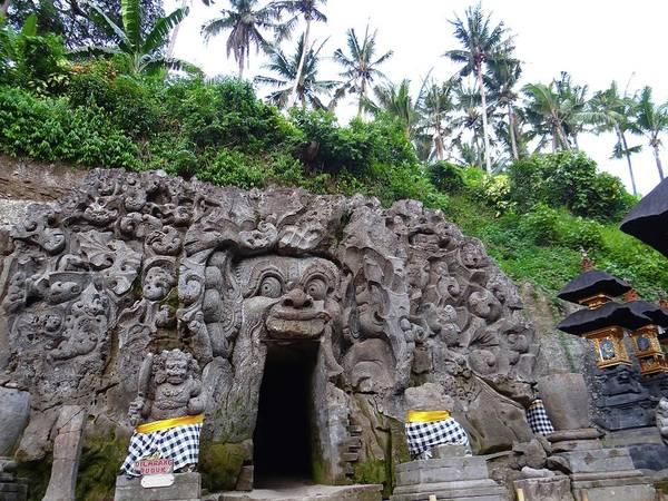 Photograph - Elephant Cave Temple by Exploramum Exploramum