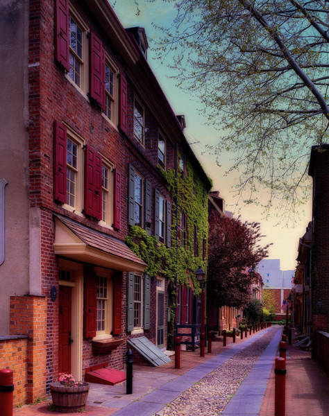 Wall Art - Photograph - Elfreth's Alley by Mountain Dreams