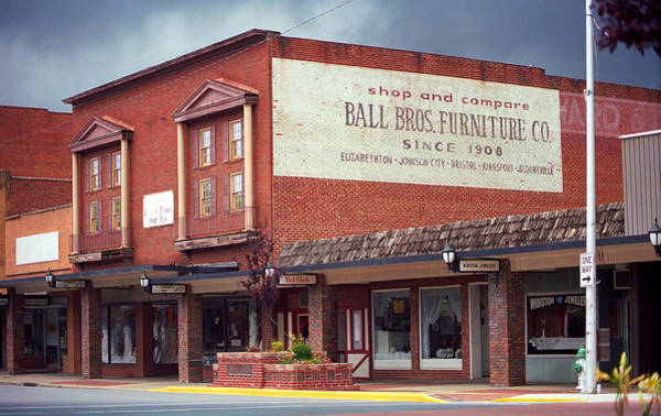 Photograph - Elizabethton Tennessee Downtown 2008 by Frank Romeo