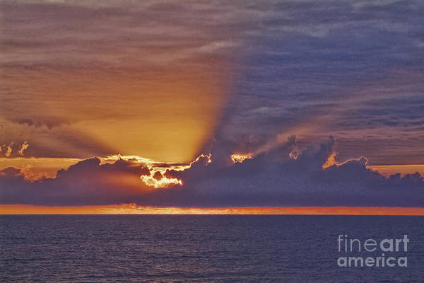 Wall Art - Photograph - End Of A Good Day by Wedigo Ferchland