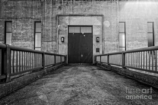 Wall Art - Photograph - End Of The Line by Edward Fielding