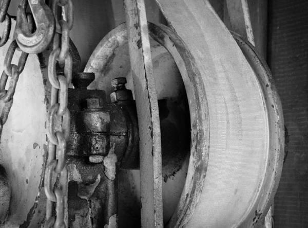 Rusty Chain Wall Art - Photograph - Enduring by Marnie Patchett