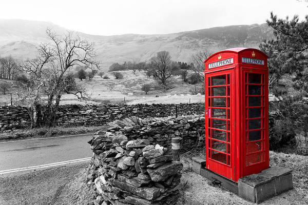 Photograph - English Phone Box by Paul Cowan