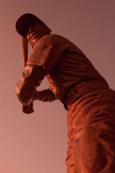 Photograph - Ernie Banks Sculpture by Sven Brogren