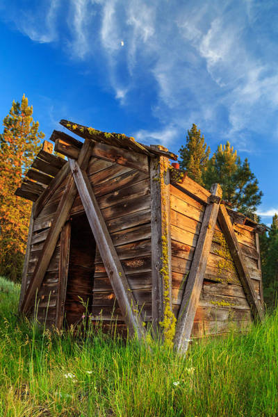 Photograph - Evening Light On An Old Cabin by James Eddy