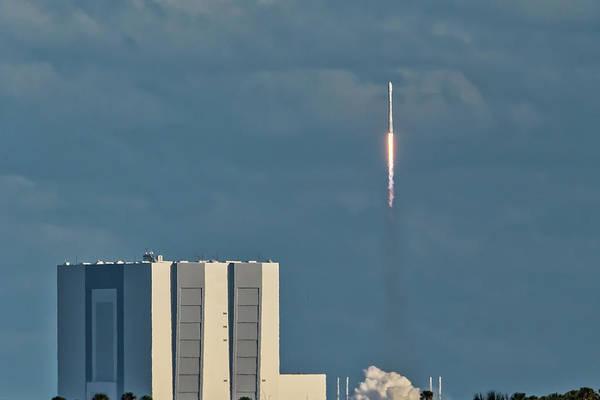 Falcon 9 Launch Art Print