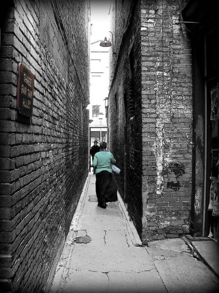 Photograph - Fan Tan Alley by Micki Findlay