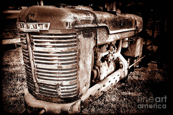 Mccormick Photograph - Farmall H Grunge by Olivier Le Queinec