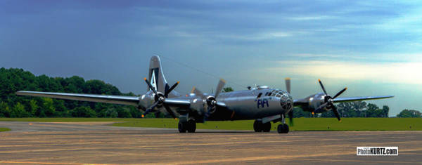 Photograph - Fifi Lands In Marion Il by Jeff Kurtz