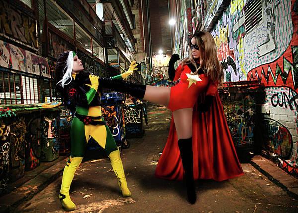 Ian Macdonald Photograph - Fight by Ian MacDonald