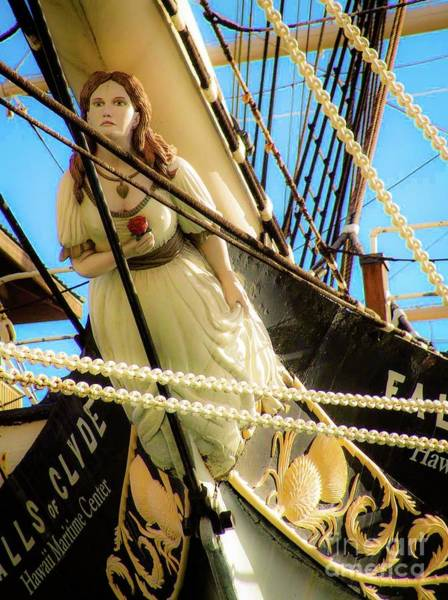 Photograph - Figurehead - Falls Of Clyde by D Davila