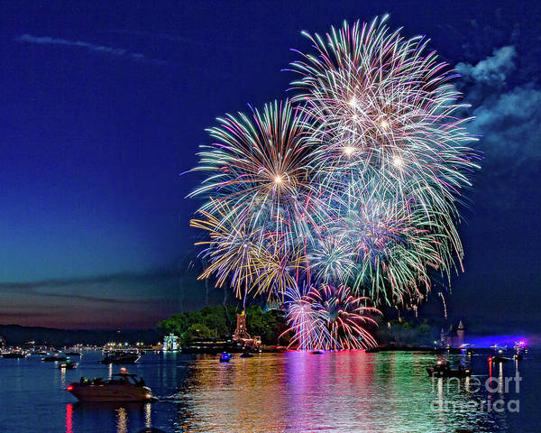 Photograph - Fireworks Spectacular by Rod Best