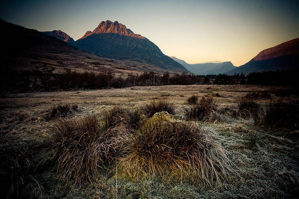 Photograph - First Light, Ogwen Valley by Peter OReilly
