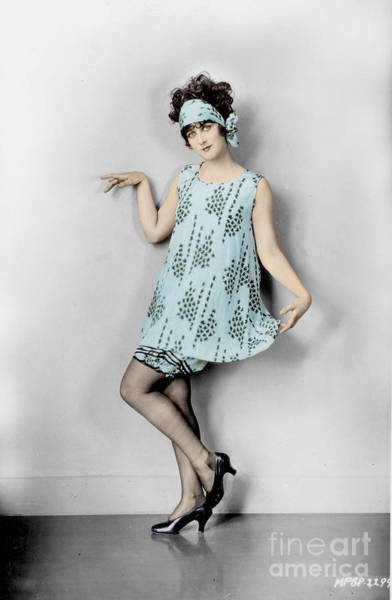 Photograph - Flapper, 1925 by Granger
