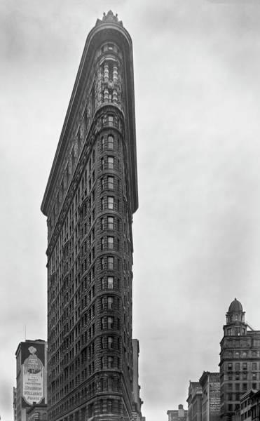 Photograph - Flatiron Building - 1938 by Gene Parks