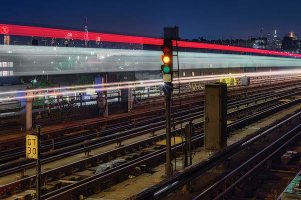 Photograph - Flushing 7 Train And Nyc Skyline by Susan Candelario