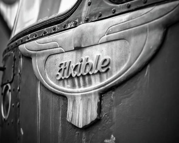 Photograph - Flxible Clipper 1948 Bw by Adam Reinhart