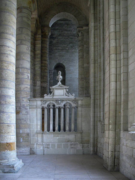 Fontevraud Photograph - Fontevraud Abbey Interior by Dave Mills