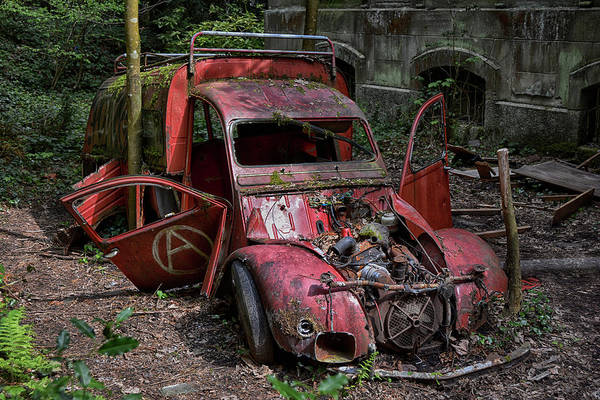 Wall Art - Photograph - forgotten 2CV deux chevaux rouge by Joachim G Pinkawa