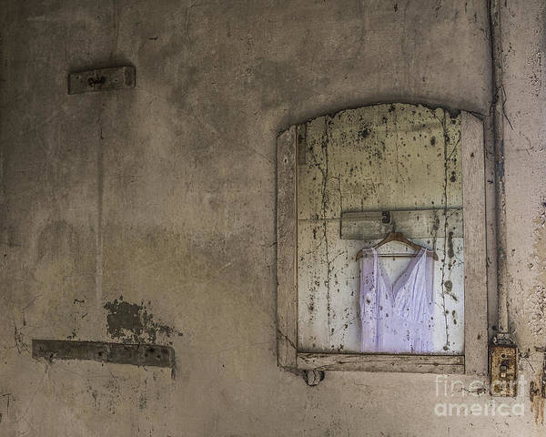 Wall Art - Mixed Media - Forgotten Dream by Terry Rowe