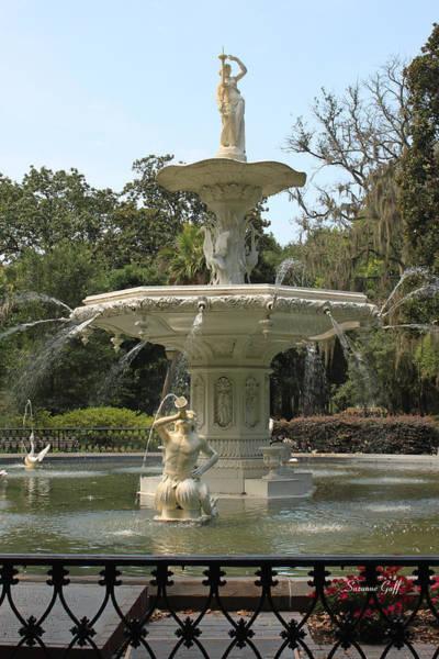 Forsyth Park Photograph - Forsyth Fountain II by Suzanne Gaff