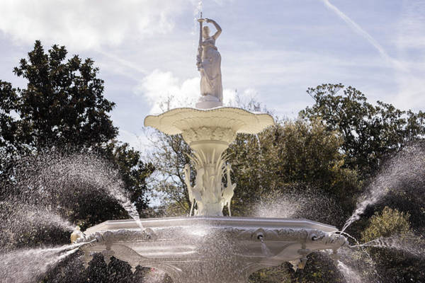 Photograph - Forsyth Fountain In Savannah by For Ninety One Days