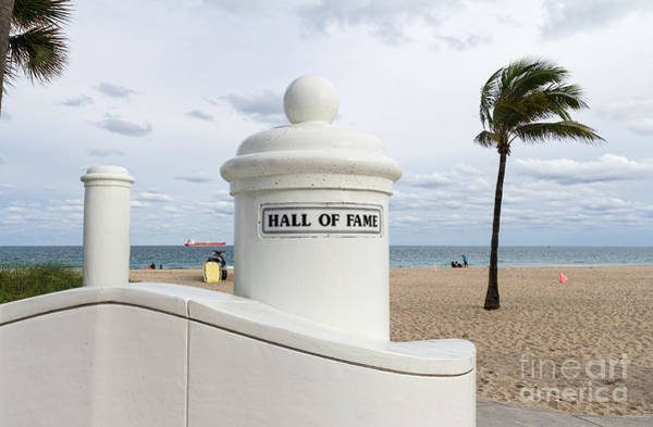 Photograph - Fort Lauderdale Beach by Les Palenik