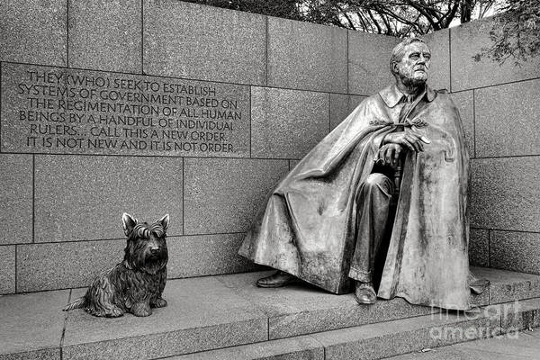 Wall Art - Photograph - Franklin Delano Roosevelt Sculpture  by Olivier Le Queinec