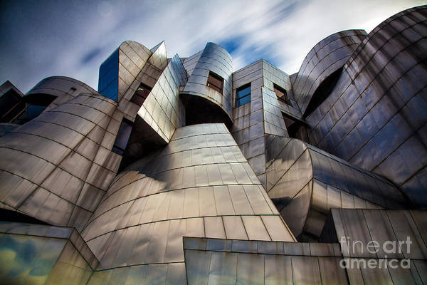 City Scape Photograph - Frederick R Weisman Art Museum Minneapolis by Wayne Moran