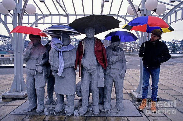 Jim Richards Photograph - Fremont Statues With Umbrellas by Jim Corwin