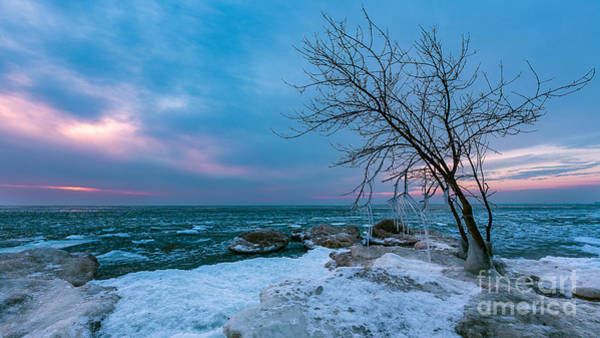 Mke Photograph - Frozen Rise by Andrew Slater