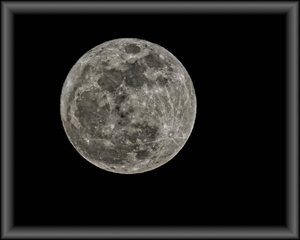 Photograph - Full Moon Perigee Hc35 by Mark Myhaver