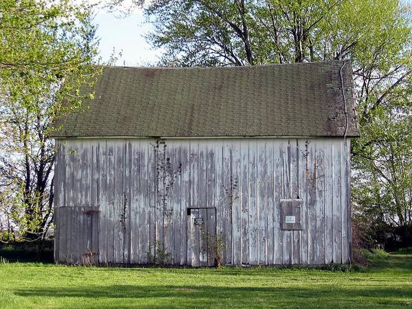 Photograph - G Barn by Dylan Punke