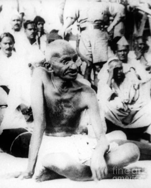 Wall Art - Photograph - Gandhi, Indian Politicalspiritual Leader by Science Source