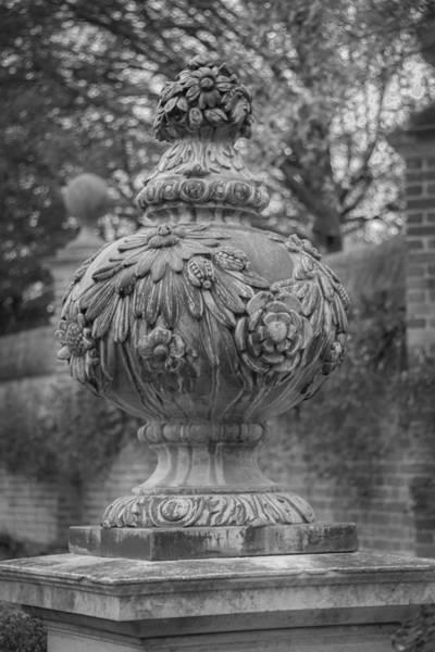 Knot Hole Photograph - Garden Finial B W by Teresa Mucha
