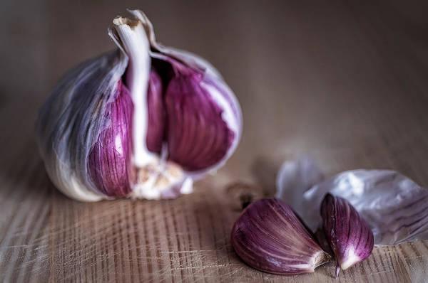 Vegetal Photograph - Garlic by Hernan Bua