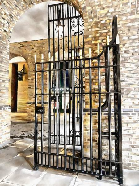 Hays Galleria Wall Art - Photograph - Gates At Hay's Galleria London by Dorothy Berry-Lound