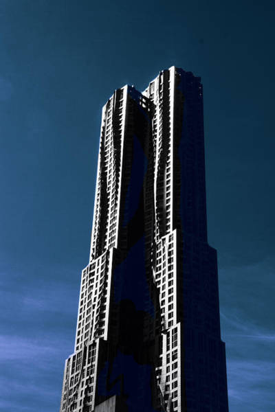 Gehry In The Sky Art Print